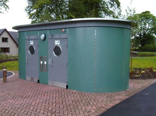 Public toilet facilities in Larghan Park